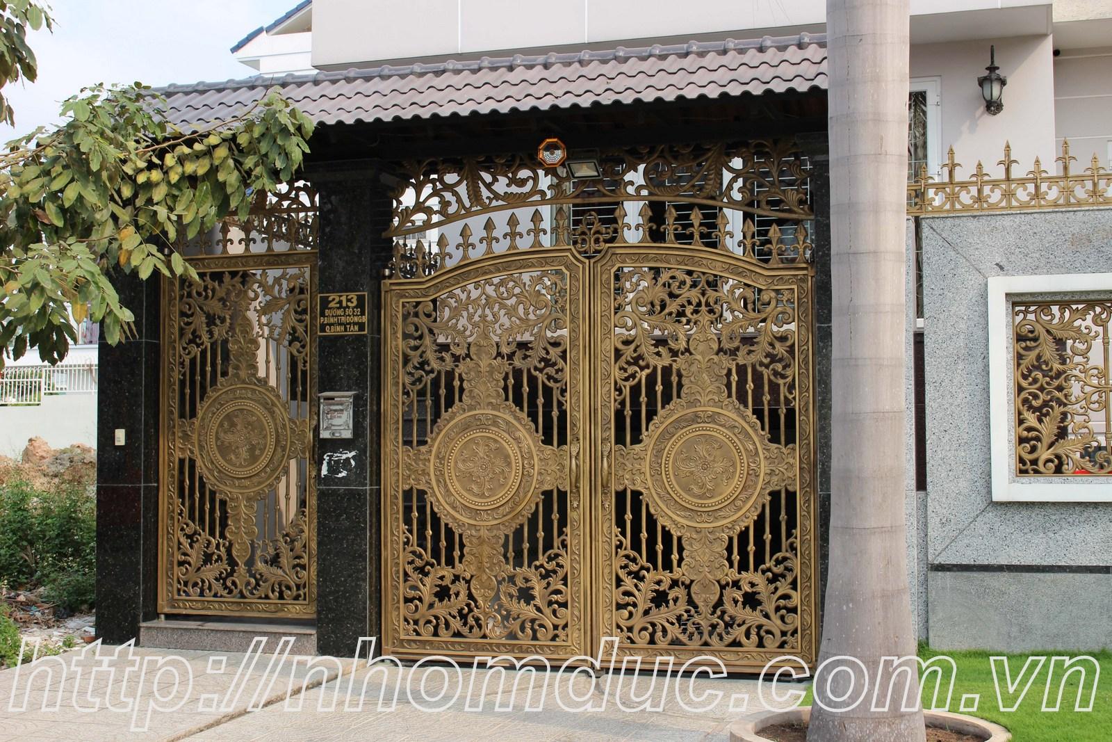 Mẫu cửa nhôm đúc GAT Hà Nội, cửa cổng nhôm đúc Fuco mẫu mã đẹp