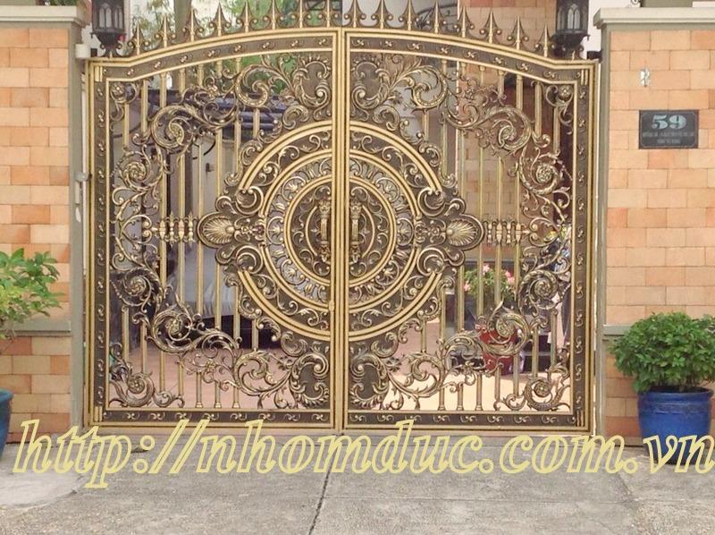 Cổng cửa hợp kim nhôm đúc loại cổng kín