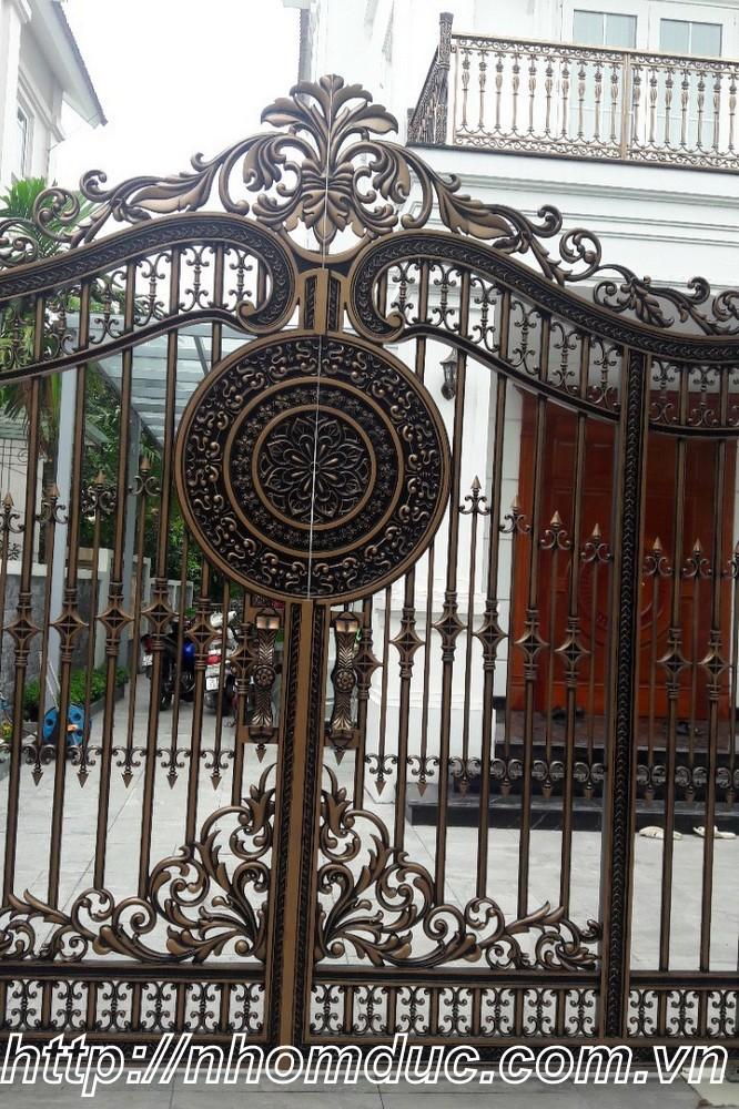 cổng nhôm hợp kim  Khánh Hòa, cổng nhôm hợp kim  Nha Trang,cổng nhôm hợp kim  Cam Ranh, lắp cổng nhôm đúc Fuco Ninh Hòa