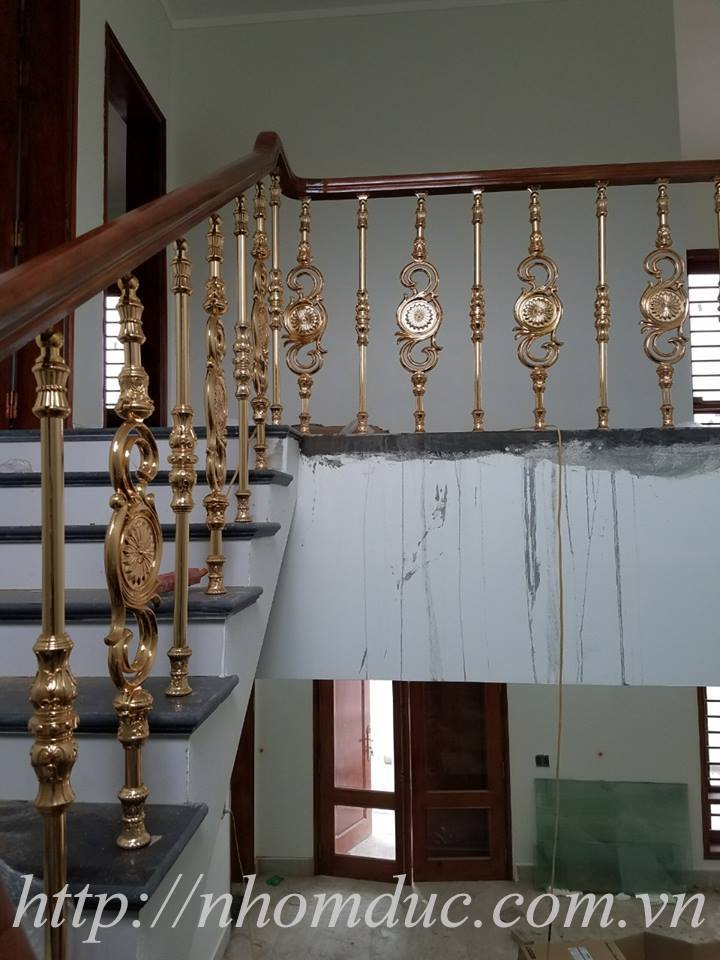 Cầu thang nhôm đúc, các loại cầu thang đơn giản như cầu thang con tiện, cầu thang phức tạp như cầu thang vỉ cong