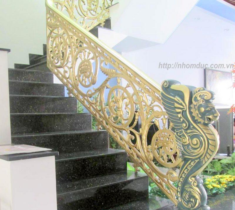 cầu thang nhôm đúc cong