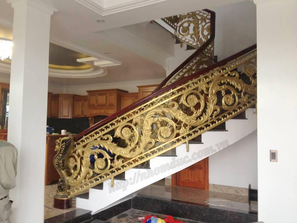 Cầu thang nhôm đúc cao cấp phù hợp với các không gian biệt thự,nhà. Báo giá cầu thang nhôm đúc. Báo giá cổng nhôm đúc Fuco