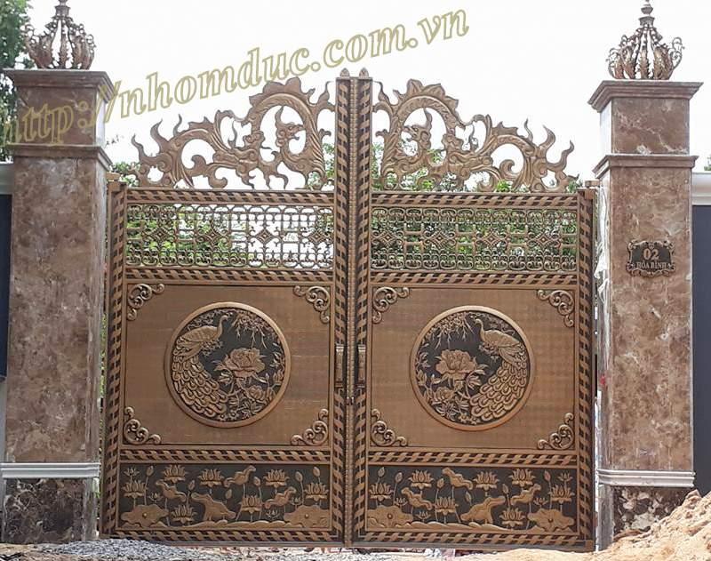 Mẫu cổng phù điêu nhôm đúc